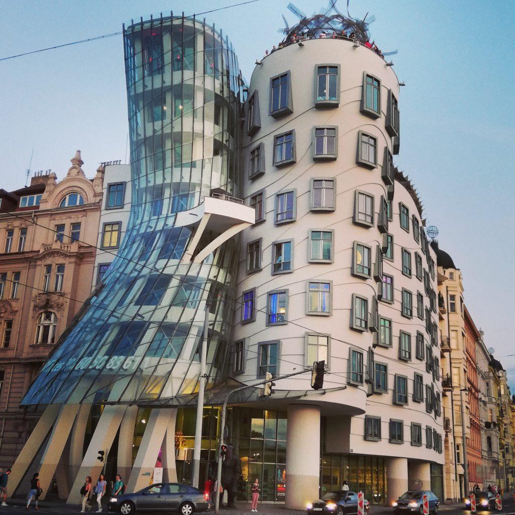 Dancing house Praga Donne in Giro Organizzazione per viaggiare