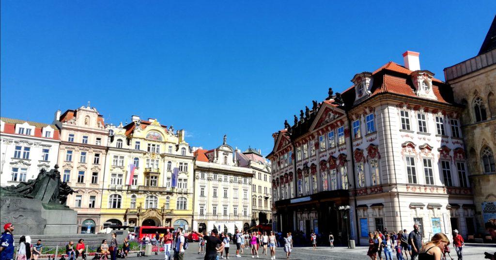 Donne in giro organizzazione viaggi Praga