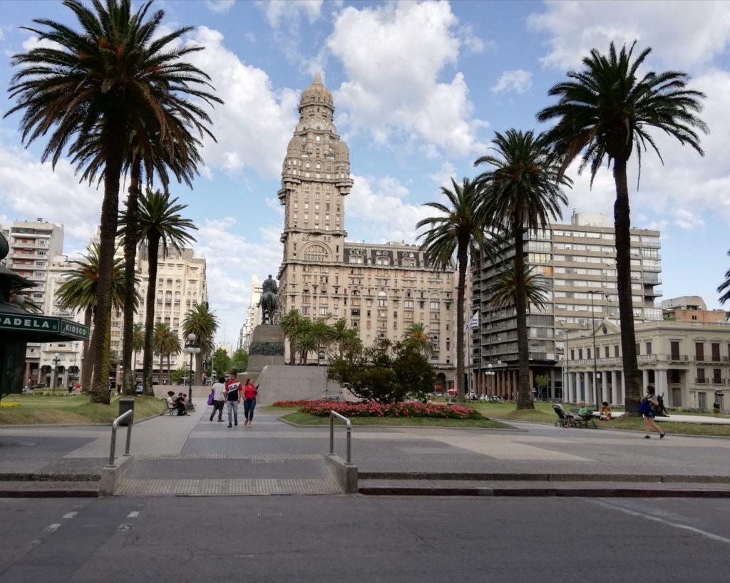 Donne in giro consulente di viaggi Uruguay Montevideo